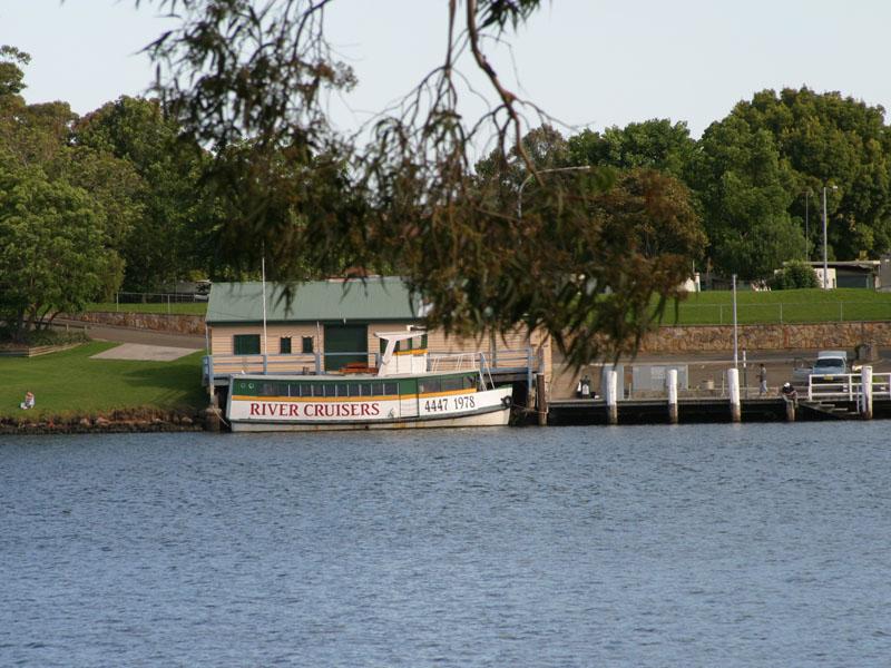 Nowra, NSW - Aussie Towns